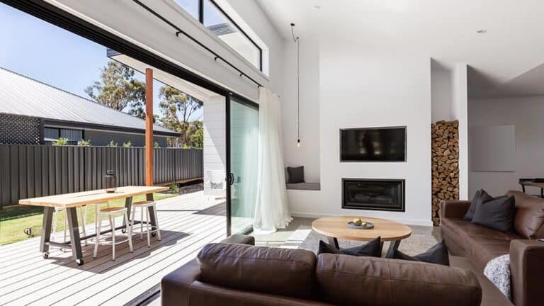 benefits of aluminium windows custom designed and manufactured by versalite windows 768x432